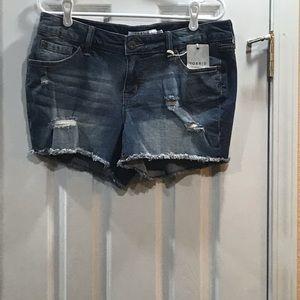 🌸So Comfy Torrid Denim Shorts Size 31🌸